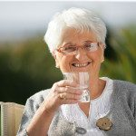 Elder Care Tips: Recognizing the Signs and Symptoms of Dehydration in Seniors